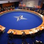 Минобороны: кризис на Украине позволяет НАТО приблизиться к России