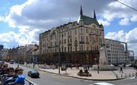 Сербия: Белград выпустил на улицы экскурсионные автобусы без крыши
