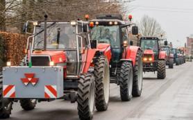 Французские фермеры перекрыли дороги в городе Кан в знак протеста