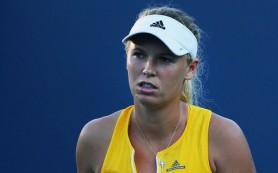 Возняцки проиграла Шмидловой во 2-м круге теннисного турнира в Ухани