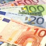 ЦБ опустил курс евро ниже 73 рублей