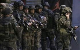 Организатор терактов в Париже скрылся с места проведения спецоперации