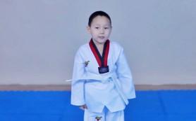 В Калмыкии пятилетний мальчик побил мировой рекорд по отжиманию