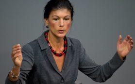 Председатель фракции Левой партии в бундестаге Сара Вагенкнехт не согласна с антироссийскими санкциями фрау Меркель