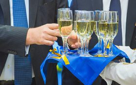 В России введут минимальные цены на шампанское