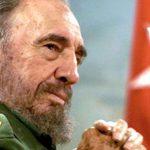 На Кубе десятки тысяч людей пришли проститься с Фиделем Кастро