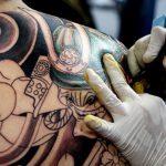 Врачи не рекомендуют людям делать татуировки на теле