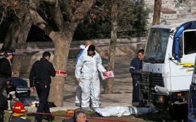 В Иерусалиме три человека погибли при наезде грузовика на толпу