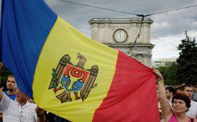 Президент Молдавии попросил послов США и Румынии «не учить его»