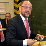 Канцлер уступает в опросах экс-главе Европарламента