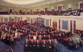 В США сенаторы хотят запретить Трампу снимать санкции с России