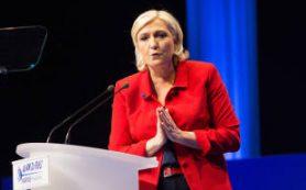 Марин Ле Пен: Евросоюз погибнет, потому что людям он не нужен