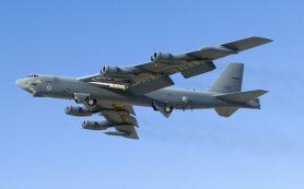 США направили бомбардировщики В-52 к границам России