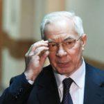 Экс-премьер Украины Азаров предрек скорый крах режиму Порошенко