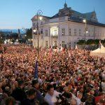 Поляки потребовали от президента наложить вето на закон о Верховном суде