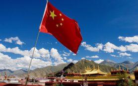 Китай выступил против новых санкций США в отношении России