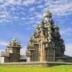 """В музее-заповеднике """"Кижи"""" идет реставрация знаменитой Преображенской церкви"""