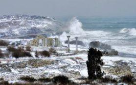 В Крыму из-за непогоды может остановиться паромная переправа