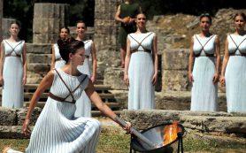 Церемония зажжения огня Олимпиады-2018 в Пхенчхане состоялась в Древней Олимпии