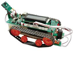 Мягкий робот из подручного хлама