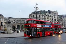 Классические лондонские автобусы станут ездить реже
