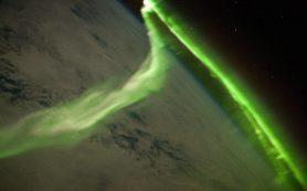 Найдена причина различий между северным и южным полярными сияниями