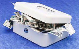 ЦБ увидел угрозу в валюте на счетах у россиян