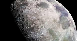 Солнечный ветер и метеориты облегчают доступ к воде на Луне