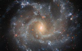 Хаббл находит драматические детали в галактике NGC 5468