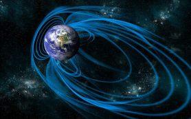 Северный магнитный полюс Земли продолжает смещаться; пересекает нулевой меридиан
