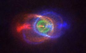 Радиообсерватория ALMA запечатлела живописный результат «борьбы» между звездами