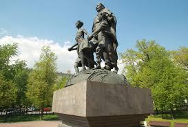 Волонтеры Москвы приведут в порядок 14 памятников в честь героев ВОВ