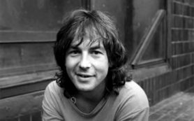Сегодня музыканту и поэту Александру Башлачёву исполнилось бы 60 лет
