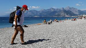 Что происходит с туристами, заболевшими коронавирусом на отдыхе в Турции?