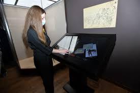 Музеи вновь встречают посетителей и радуют их не только новыми выставками, но и современными технологиями