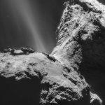 Космический аппарат обнаружил неожиданное ультрафиолетовое сияние у кометы