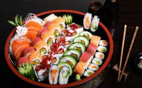 Вкусные и свежие суши для любителей азиатской кухни