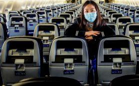 Эксперты: заразиться коронавирусом в самолете сложнее, чем попасть под удар молнии