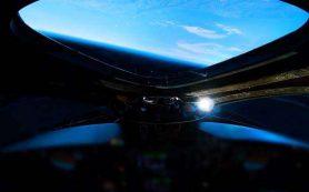 WhiteKnightTwo от Virgin Galactic провел летные испытания накануне финансовой отчетности
