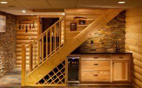 Как использовать свободное пространство под лестницей?