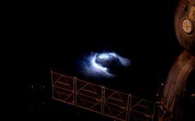 С борта МКС ученые проследили происхождение голубых молний в стратосфере