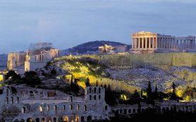 Знаменитый Акрополь в Афинах накануне завалило снегом