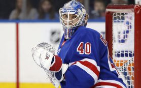 Российский вратарь «Рейнджерс» подрался с одноклубником после поражения в НХЛ