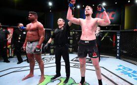 Назван гонорар Волкова за победу над Оверимом в турнире UFC