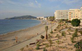 Для каких туристов Испания может открыть границы уже в мае?
