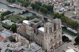 Реконструкция Собора Нотр-Дам-де-Пари в Париже продлится 20 лет
