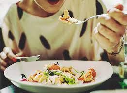 Ученые рассказали, какие белковые продукты полезнее для здоровья женщин