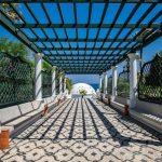 Греция ускоряет открытие границ и планирует принять туристов уже на следующей неделе