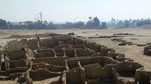 Египетские археологи раскопали древний город недалеко от Луксора