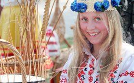 На «Славянском базаре в Витебске» открылась выставка «Золотая хохлома»